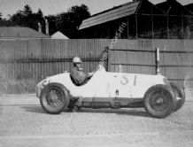Maserati 8CM Grand Prix car Whitney Straight on track at Brooklands 1934